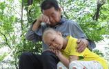 河南9歲女孩患重症卻只能在家休養,奶奶為省錢每天饅頭白水當飯