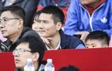 前國腳邵佳一現場觀看中超第五輪北京人和與廣州恆大的比賽