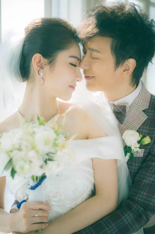 """老公帶""""定情犬""""約見舊愛TVB花旦 33歲女星:我的心好痛"""