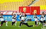 武漢卓爾球員在五環踩場訓練,中超11輪武漢卓爾主場對陣天津天海