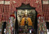 藏傳佛教創始人宗喀巴是達賴與班禪的老師嗎?