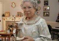 英國女王模仿愛好者,最初只為給丈夫驚喜,後來當事業經營40年