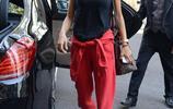 超模AA隨性搭穿出街頭範兒 運動套裝穿得好一樣可以撩漢