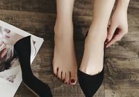 """小個子女人別穿穿""""恨天高"""",這6款美鞋,一樣也能讓你有高挑感"""