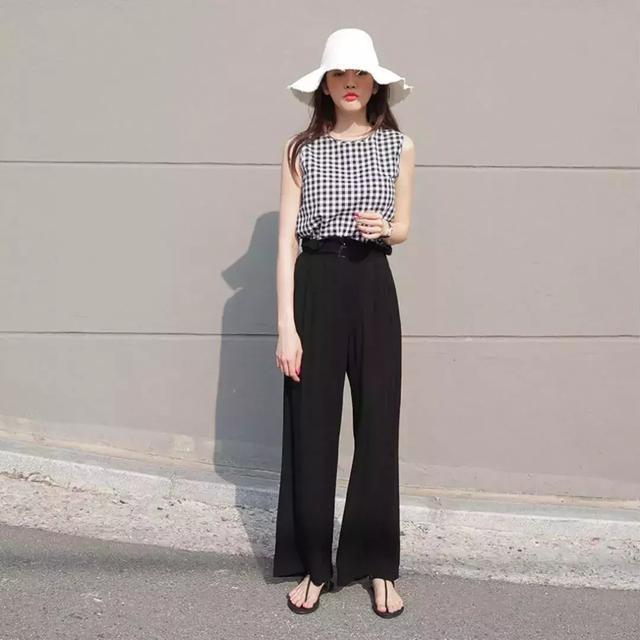 夏天闊腿褲 + 帆布鞋,闊腿褲 + 涼鞋=夏季組合照著穿時髦慘了