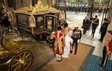 實拍澳大利亞用納稅人的錢為英國女王打造黃金馬車