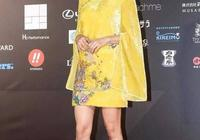 蔡依林的想法真獨特,中國風的旗袍加個甩袖,意想不到的美啊!