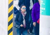 陳凱歌一家三口現身,陳紅素顏超美!19歲陳飛宇與劉昊然演電影?
