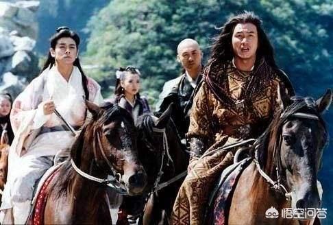 《天龍八部》裡的慕容博蕭遠山加上喬峰虛竹段譽五人聯手,能打的過射鵰或者神鵰裡的五絕嗎?