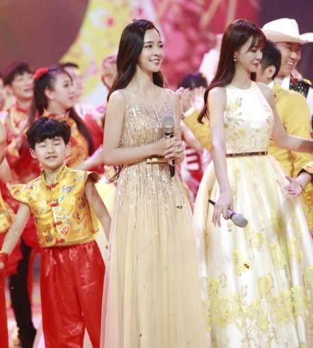 沈夢辰晒和baby的合影,網友:沈夢辰總是穿得很時尚!
