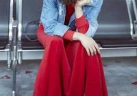 誰說小個子不能穿長裙?蔡依林這一身大紅長裙,完勝180美女!