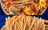 番茄其實可以這麼做,配合麵條製成撈麵,湯濃味美