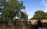 整個素可泰古城的寺廟都面朝東方,唯獨這座寺廟例外