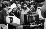 """珍貴老照片:80年代""""萬元戶""""必備的幾樣產品,你家有嗎"""