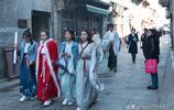 穿著古裝逛古城,山東淄博這個景區成了網紅打卡地