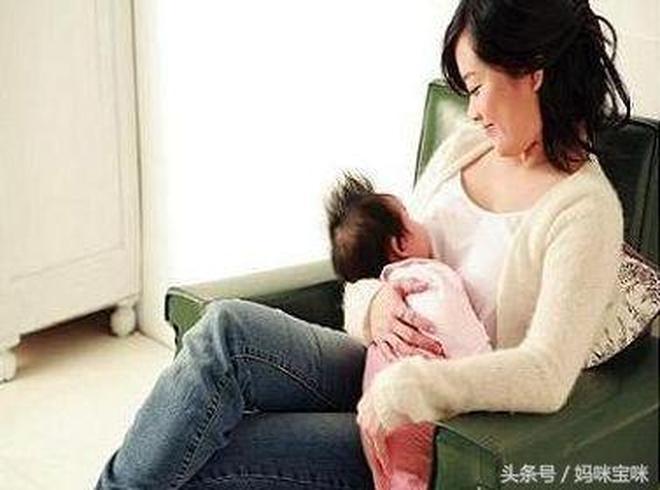 別再盲目的給寶寶喂水了,這才是正確的喝水方式!