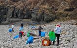 巴薩爾金燈塔的清潔志願者