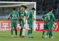 中國足球迎來歷史性時刻!25歲歸化球員迎中超首球,4萬球迷沸騰