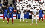足球——國際友誼賽:法國勝英格蘭