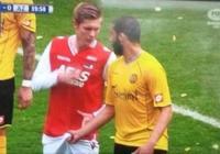 足球搞笑GIF(9):有種遺憾叫傑拉德,利物浦欠他1個冠軍