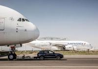 115噸!保時捷卡宴拖動空中客車A380破世界紀錄
