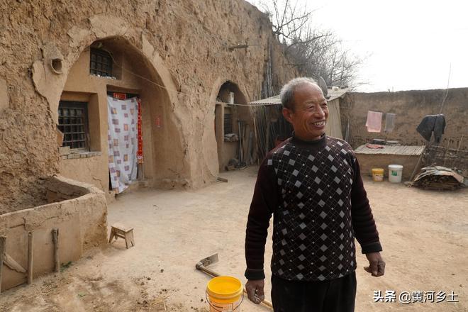 """73歲老人""""攆走""""老伴,悄悄在家幹一項重點工程,看他都做了些啥"""