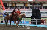 雲南迪慶:傳統賽馬展康巴文化