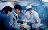 1984年昆明小吃街老照片,現在的昆明還有這些美食嗎?