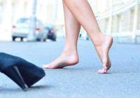 低頭踮腳,病能治好!一個小動作,打通腎經全身暢通!