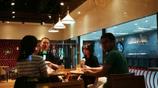 鄭爽與男友人現身餐廳,對方長相帥氣引關注,網友:該有新開始了