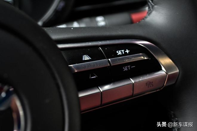 第四代馬自達3(國內叫昂克賽拉 )實拍車官圖發佈了 還有AWD版