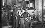 晚清老照片:光緒和珍妃合影,清朝的護衛