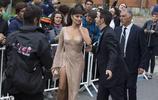 西班牙女星佩內洛普·克魯茲現身電影節,標誌部位太顯眼