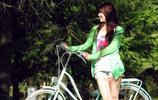 南景甜北奕歡!只是趙奕歡走的路線不同,其實她何嘗不是鄰家女孩