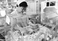 27年 她用愛呵護早產兒