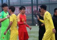 國足這套陣容踢中乙隊丟兩球,裡皮靠什麼在亞洲盃創奇蹟