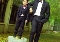 """田亮兒子展示什麼叫""""坑爹"""",網友調侃:自己的孩子,還能扔了?"""