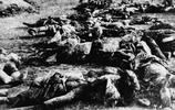 老照片:二戰中罕見生和死的現場,圖2為馬來亞母親傳達喪子之痛