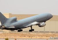 """C-17A""""環球霸王III""""在英國"""