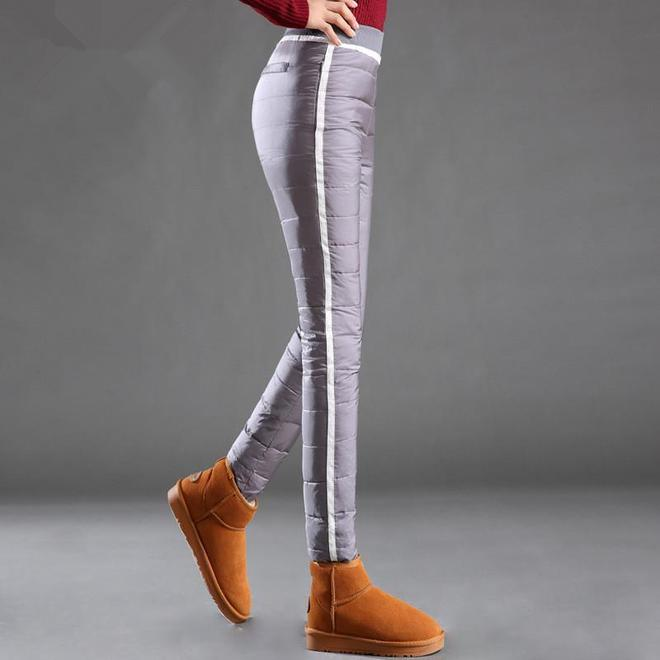 女人胖千萬別穿緊身褲,瞧下圖這穿,三九天保暖不凍腿,特顯洋氣