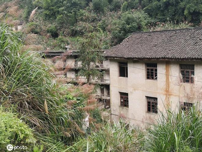 實拍江西富豪村,曾吸引有4千人挖石頭,城裡的美女都想嫁過來