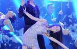 迪麗熱巴和杜海濤跳舞,杜海濤的表情亮了