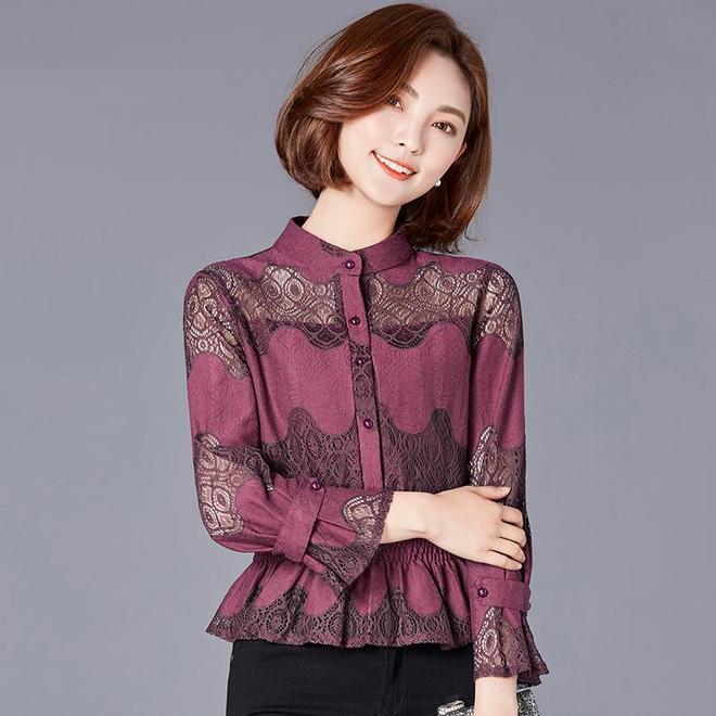 17新款襯衫,除了蕾絲鏤空,蝴蝶結繫帶外,其實領帶立領更個性