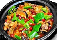 在家自己也可以做黃燜雞米飯了,不僅湯肉美味,還口感鮮嫩,絕了