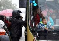 為何公交車那麼擠還不算超載,私家車多個人就要被罰?漲知識了
