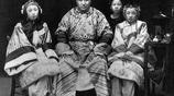 清朝末年:舊社會的中國一夫一妻多妾的家庭合照