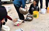 農村大集上賣雞蛋,3元錢一個搶著買,去晚了還買不到,這是為啥