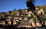 """山西深山有一""""小布達拉宮"""",整個村子沒有基地,卻屹立千年不倒"""