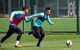 上海綠地申花出發河南前進行最後一練,伊哈洛、羅梅羅等球員歸隊