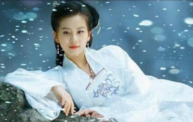最近流行的古裝,楊冪,迪麗熱巴,關曉彤,你覺得哪一位最漂亮